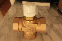 Válvula Honeywell V135-3/4B Para Agua Caliente Santiaria Y Calefación