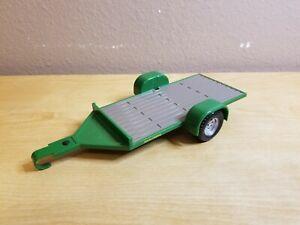 ERTL John Deere Plastic Flatbed Utility Trailer GREEN (F0519YL01) Licensed Prod.