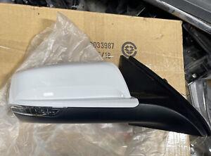 2013-2015 Chevrolet Malibu 2016 Limited RH Passenger Mirror W/Turn Summit White