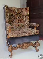 Important fauteuil bergére a oreilles Renaissance en bois naturel