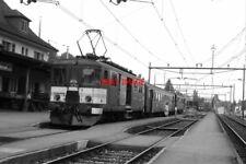 PHOTO  BASEL TRAIN 1988 SBB BEINWIL-AM-SEE DE4/4 TRAM NO 1665 AND TRAIN