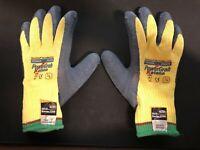 PIP TOWA PowerGrab Katana 09-K1700 Cut Level 5 Small Made with Kevlar Gloves
