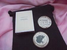 CHANEL GABRIELLE EdP Parfum Miniatur 5 ml + 2 Gabrielle Buttons + Geschenkbeutel