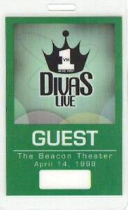 ARETHA FRANKLIN  MARIAH CAREY 1998 VH1 DIVAS LIVE LAMINATED BACKSTAGE GUEST PASS
