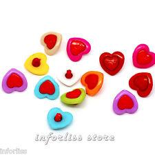 20 Botones con forma de corazon y grabado love - heart