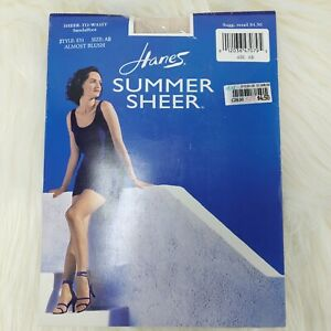 HANES SUMMER SHEER to Waist Sandalfoot Pantyhose Style E51 Size AB ALMOST BLUSH