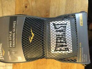 Everlast Pro Style Boxing Gloves - Black