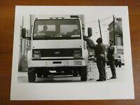 Vtg Glossy Press Photo Natick MA Officer Ron Richardson Explains Ticket 10/04/94