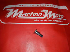 Vite fulcro cavalletto laterale Honda CT125 MRT300 CB750K7  art. 90108283000 top