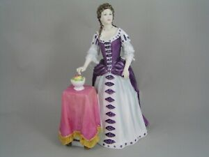 """RARE ROYAL DOULTON LIMITED EDITION QUEEN MARY 11 9 1/2"""" FIGURINE, HN 4474"""