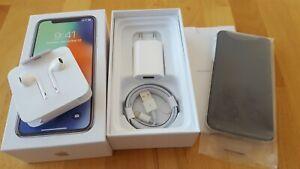 Apple iPhone X in Silber / silver  mit 64GB > simlockfrei + iCloudfrei + TOPP