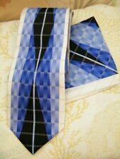 STACY ADAMS NEW 100% SILK  hand made CLASSIC  BLUE/BLACK TIE / HANKY  GIFT SET
