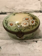Rare! Limoges France Hand Painted Daisies Flowers w Heraldic Latch Trinket Box