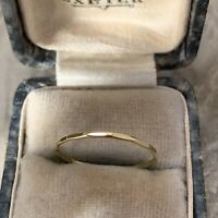 18ct GOLD SOLID YELLOW GOLD 1mm THIN WEDDING BAND RING