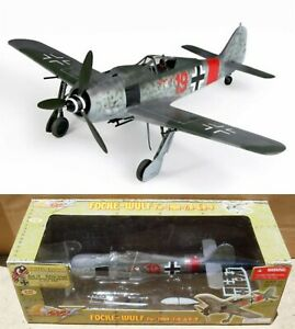 Ultimate Soldier 1:32 Focke-Wulf fw-190A Red 19 Ernst Schroder 21st Century Toys