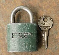 Vintage  Yale & Towne Yale Junior Disc Tumbler Padlock & Original Key