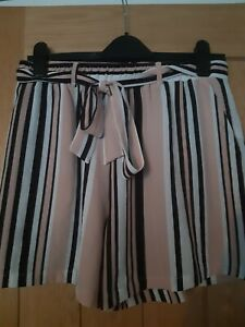 Womens New Look Striped Shorts Size 12 Vgc
