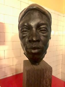 AFRICAN AMERICAN WOMAN - BRONZE LIFE SIZE BUST