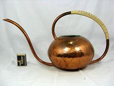 Well shaped handmade 50´s Eugen Zint design watering can / Gießkanne    2000 ccm