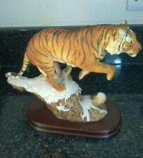 More details for vintage leonardo siberian tiger leaping figure on wooden base