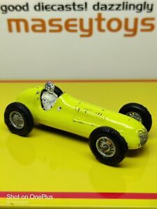 MATCHBOX LESNEY No.53a Maserati  4CLT yellow. Original vintage diecast (b)