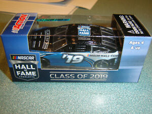 5 Inductees #19 NHOF Class of 2019 Action 1/64 NEW IN STOCK