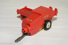 BRITAINS 9563 HAY BALER RED EXCELLENT CONDITION