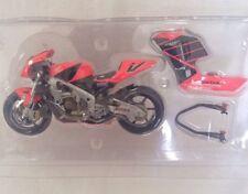 Minichamps 1.12 Scale Honda RC211V Valentino Rossi Summer Testbike Ltd Ed 2001.