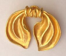 Elegant Vintage Le Jacquard Francais Gold Tone Matted Ribbon Scarf Pin Brooch
