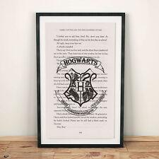 ART PRINT Harry Potter nella pagina di libro da PIETRA FILOSOFALE Hogwarts Crest