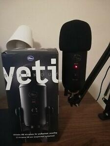 Blue Yeti USB Microfono 3 condensatori Streaming e Registrazione Professionale