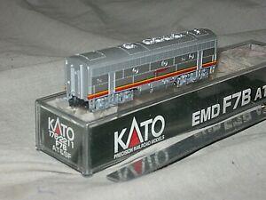 A5510 N KATO 176-2211 SANTA FE RR EMD F7B DIESEL LOCO