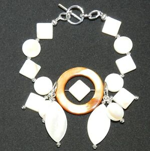 "CF141 ""Ocean's Delight"" Mother of Pearl Shell Bead & Silver Beads 7"" Bracelet"