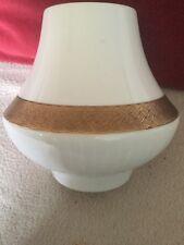 1970s elegante Scherzer vaso di porcellana bianca con dettagli di colore oro con motivi