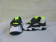 New! Boy's Toddler's Nike Air Speed Turf Shoe 535737-101 Size 6 WhiteVolt 29A