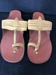 Perfect Beach Summer Thong Sandals Leather! Size 37 Yellow  New!