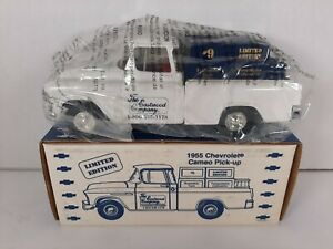 1992 Ertl 1955 Chevy cameo pick up limited edition