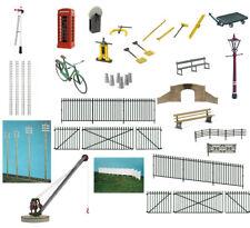 Peco O gauge accessories for model railway - plastic model kits (20 models)
