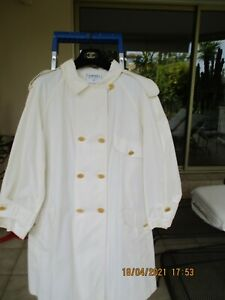 SUPERBE MANTEAU CHANEL IMPERMEABLE