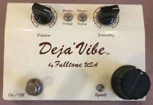 Full Tone Deja Vibe - Guitar Effects Pedal - Vibrato & Chorus Analog FX