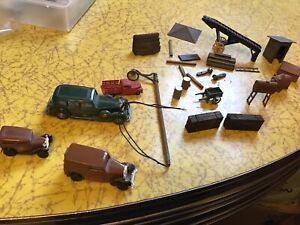 N SCALE TRAIN LAYOUT CARS AND DETAIL PARTS