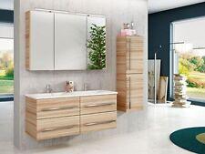 Hochschränke aus MDF/Spanplatten in Holzoptik fürs Badezimmer