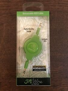 RETRAK RETRACTABLE 5' AUX CABLE BRAND NEW Green Wire Auxiliary Cord Universal
