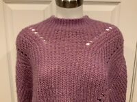 Elizabeth and James Light Purple & Gold Cable Knit Cropped Sweater, Size XS