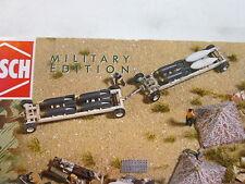 Militärfahrzeugmodelle aus Holz