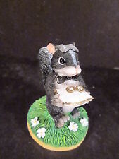 Charming Tails The Ring Bearer 82/104 Skunk Holding Rings On Pillow