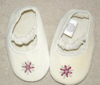 ADORABLE! CREAM CHRISTMAS SOFT SIZE 3-6M  SHOES MUST SEE!