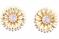 Stunning gold tone daisy flower stud earrings with crystal