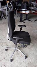 Fröscher Bürodrehstuhl Stoff Schwarz mit Kopfstütze