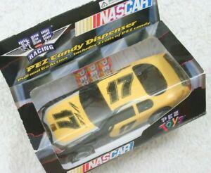 Matt Kenseth #17 NASCAR Plastic 2005 Pez Toys Candy Racing Action Car Pull & Go